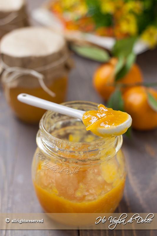 Marmellata di mandarini fatta in casa con scorzette