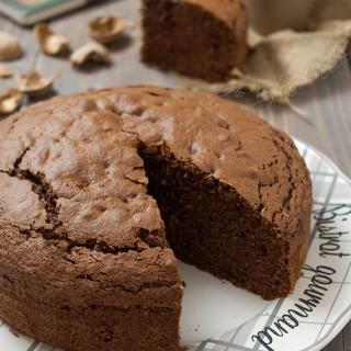 Torta al cioccolato e noci, ricetta d'autunno