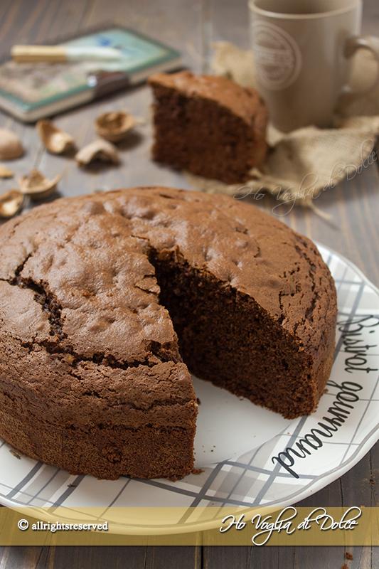 Torta al cioccolato e noci ricetta autunnale facile