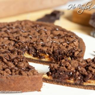Torta sbriciolata al cioccolato e crema pasticcera