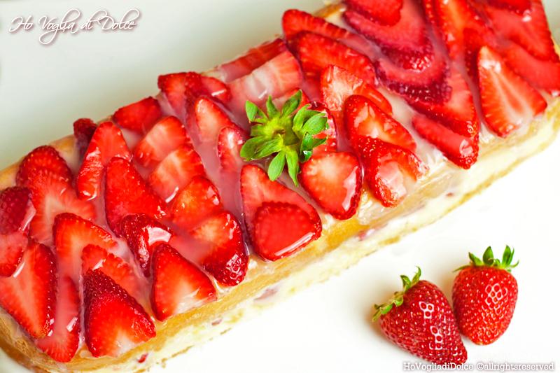Mattonella di fragole e crema pasticcera, ricetta dolce | Ho Voglia di Dolce