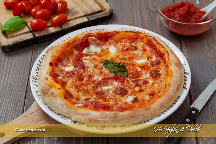 Pizza Napoletana fatta in casa ricetta | Ho Voglia di Dolce