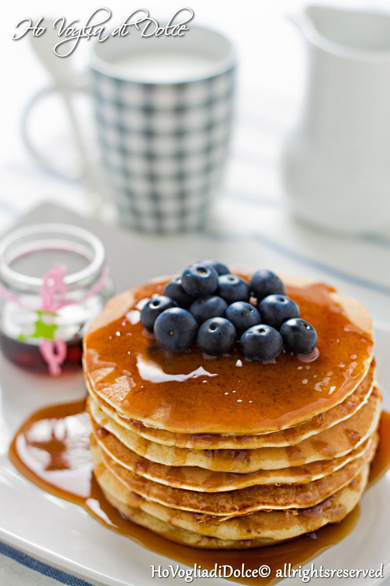 Pancakes al latte di mandorla, ricetta per la colazione | Ho Voglia di Dolce