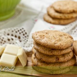 Biscotti alle noci e cioccolato bianco