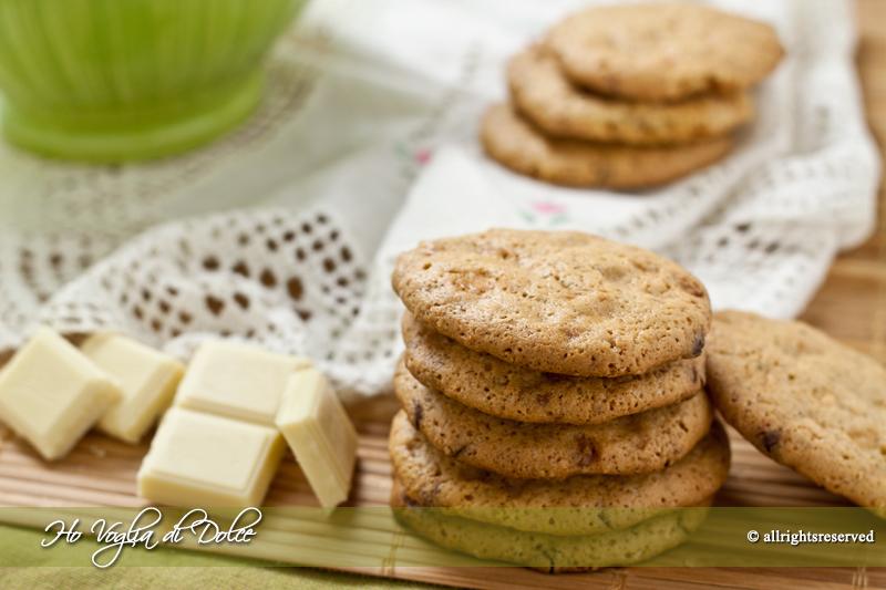 Biscotti alle noci e cioccolato bianco, ricetta | Ho Voglia di Dolce