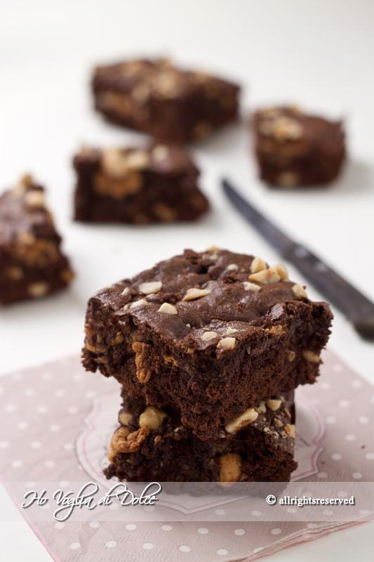 Brownies al cioccolato e caramello mou, ricetta | Ho Voglia di Dolce