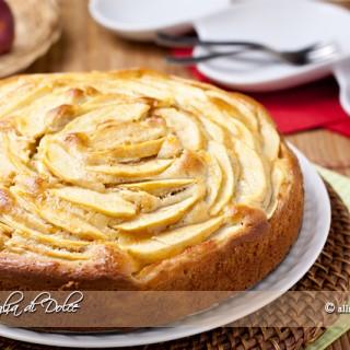 Torta di mele e banane soffice