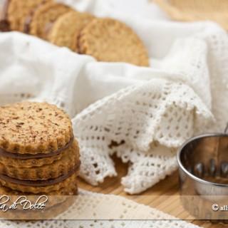 Biscotti sandwich al cioccolato