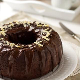 Ciambella alla panna e cioccolato
