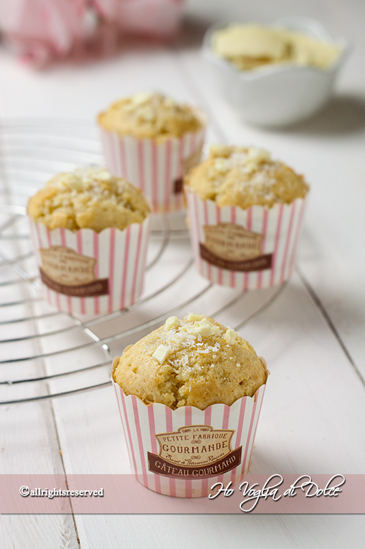 muffin al cocco e cioccolato bianco