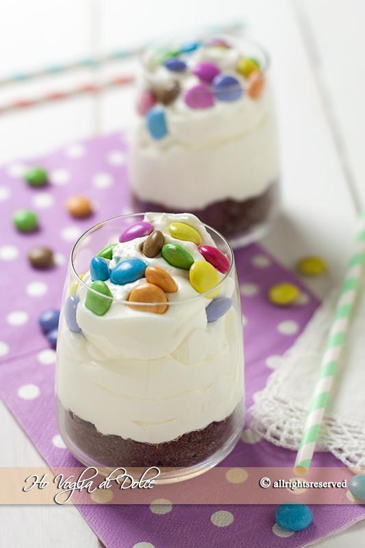 Bicchierini di Cheesecake con Smarties