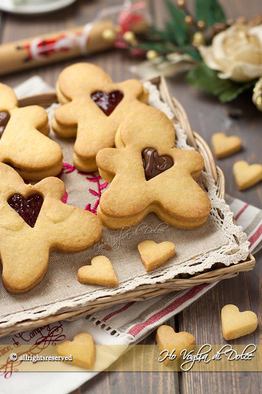 Omini biscottini dal cuore tenero