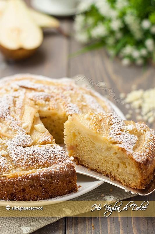 Torta-soffice-di-pere-e-cioccolato-bianco