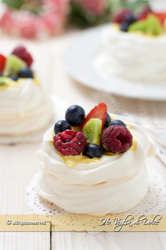 mini-pavlove-alla-frutta-ricetta
