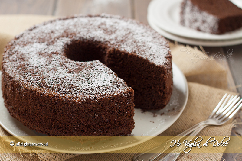 Chiffon-cake-al-cacao-ricetta-morbidissima