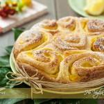 Torta di rose con crema al limone