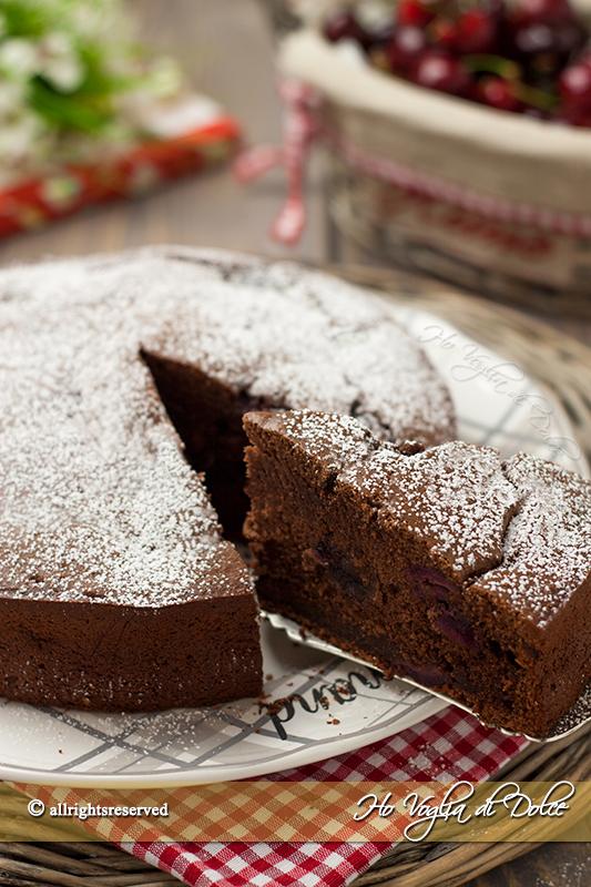 torta-di-ciliegie-e-cioccolato-ricetta-soffice e veloce