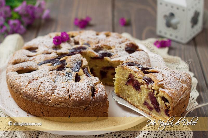 torta-di-prugne-soffice-ricetta-facile-e-veloce