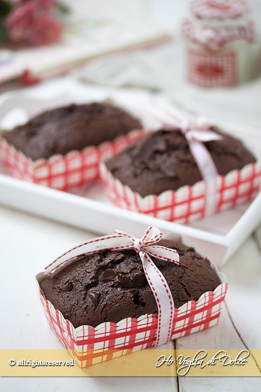 Mini plumcake al cioccolato e cacao ricetta facile e trasportabile