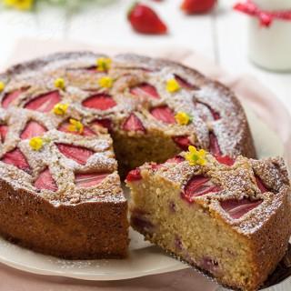 Torta morbida alle fragole e mascarpone