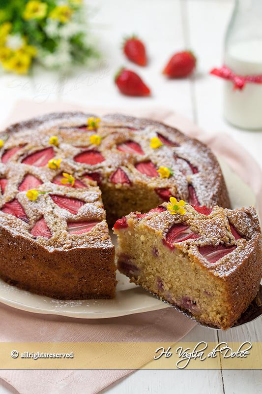 torta-morbida-alle-fragole-e-mascarpone-ricetta-facile