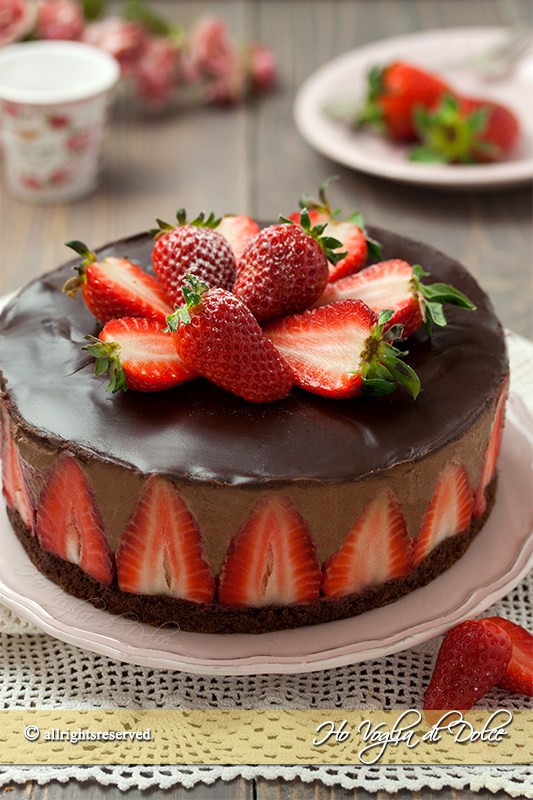 torta-mousse-al-cioccolato-e-fragole-ricetta