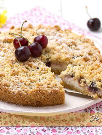 Sbriciolata alle ciliegie ricetta facile e veloce | Ho Voglia di Dolce