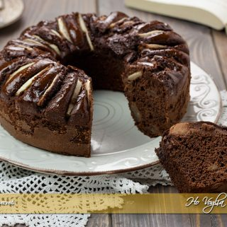 Ciambella alle pere e cioccolato