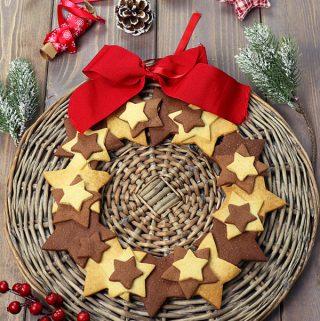 Ghirlanda di biscotti natalizia