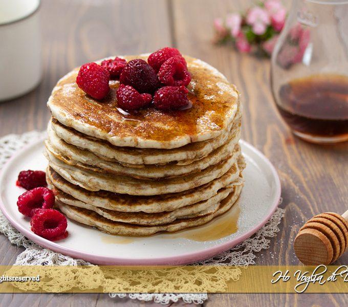 Pancakes con farina integrale senza uova ricetta | Ho Voglia di Dolce