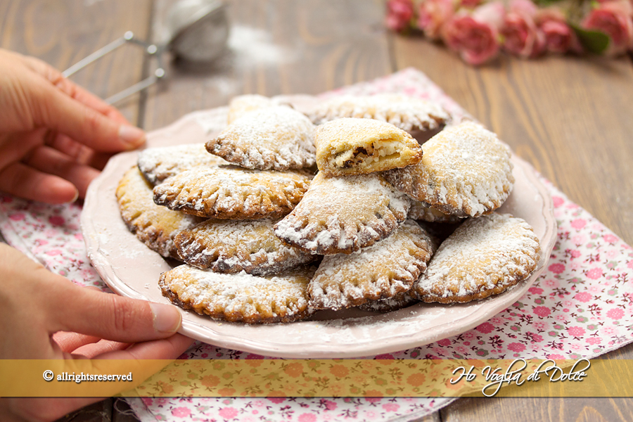 Ravioli dolci al forno con ricotta e cioccolato ricetta | Ho Voglia di Dolce