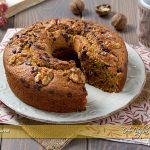 Ciambella alle carote, noci e cioccolato ricetta | Ho Voglia di Dolce