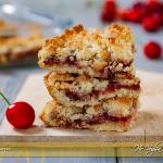 Sbriciolata con confettura di ciliegie e cocco ricetta | Ho Voglia di Dolce