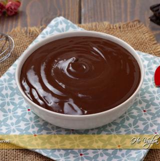 Crema al cioccolato senza uova