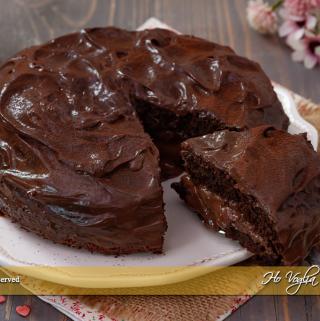 Torta con crema al cioccolato senza uova