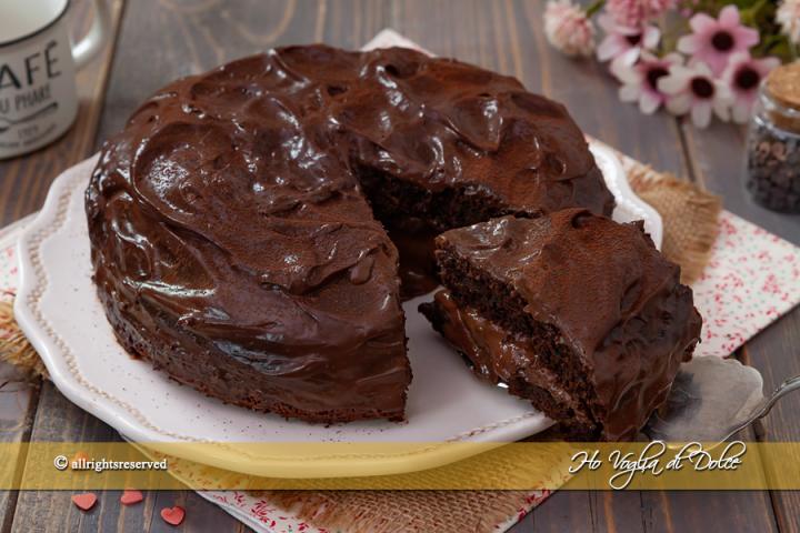 Ricetta Torta Al Cioccolato Farcita.Torta Con Crema Al Cioccolato Senza Uova