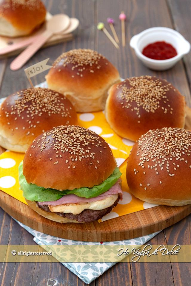 Burger buns o panini per hamburger