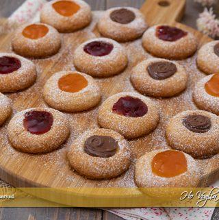 Biscotti al burro con marmellata e cioccolato