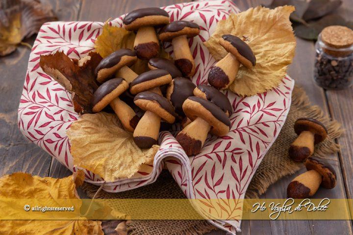 Funghetti di pasta frolla ricetta biscotti | Ho Voglia di Dolce