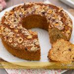 Torta con farina d'avena nocciole e gocce di cioccolato | Ho Voglia di Dolce