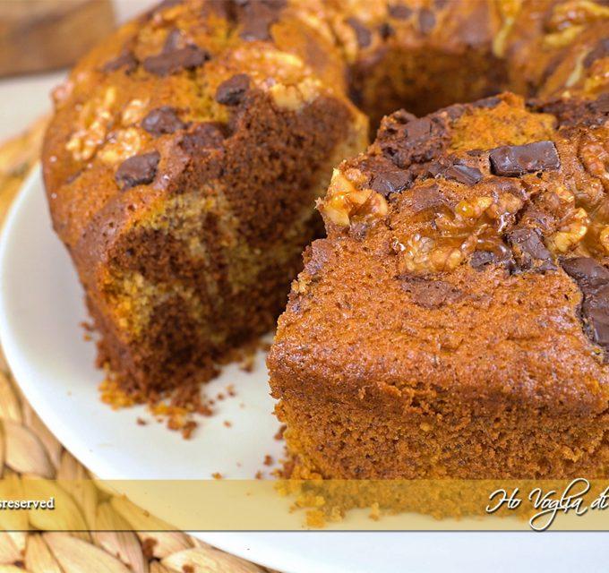 Ciambella alla zucca noci e cioccolato ricetta | Ho Voglia di Dolce